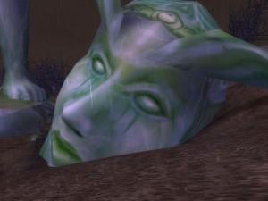 statue-fallen-head